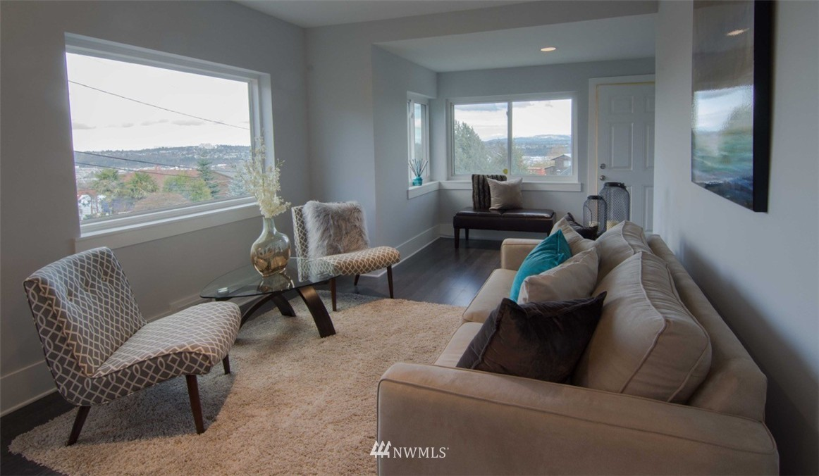 Sold Property | 7303 7th Avenue SW Seattle, WA 98106 8