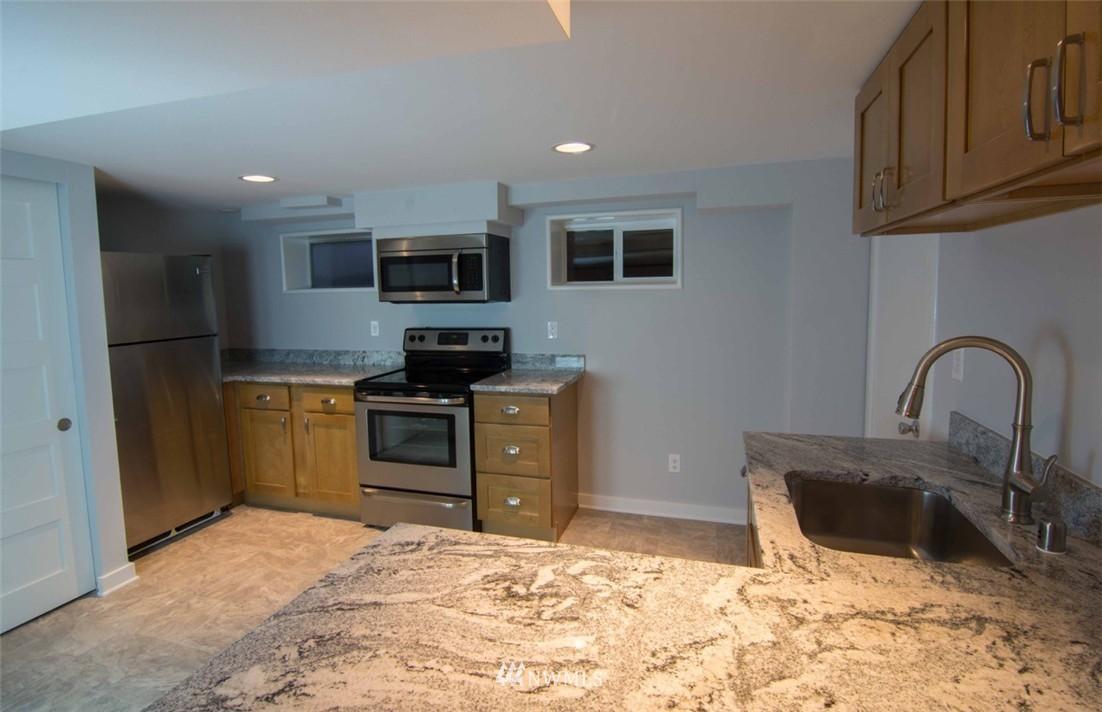 Sold Property | 7303 7th Avenue SW Seattle, WA 98106 17