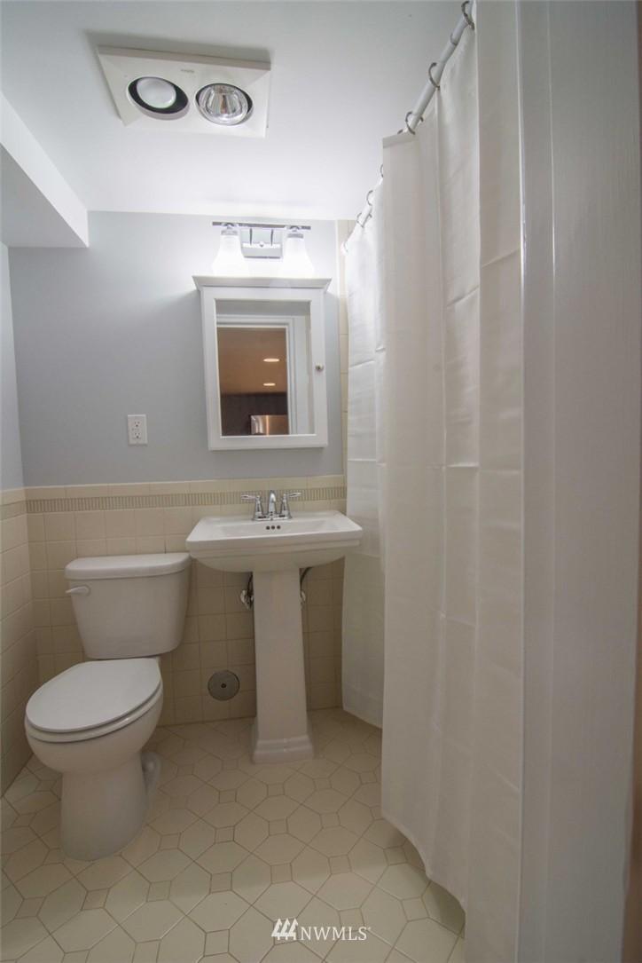 Sold Property | 7303 7th Avenue SW Seattle, WA 98106 18