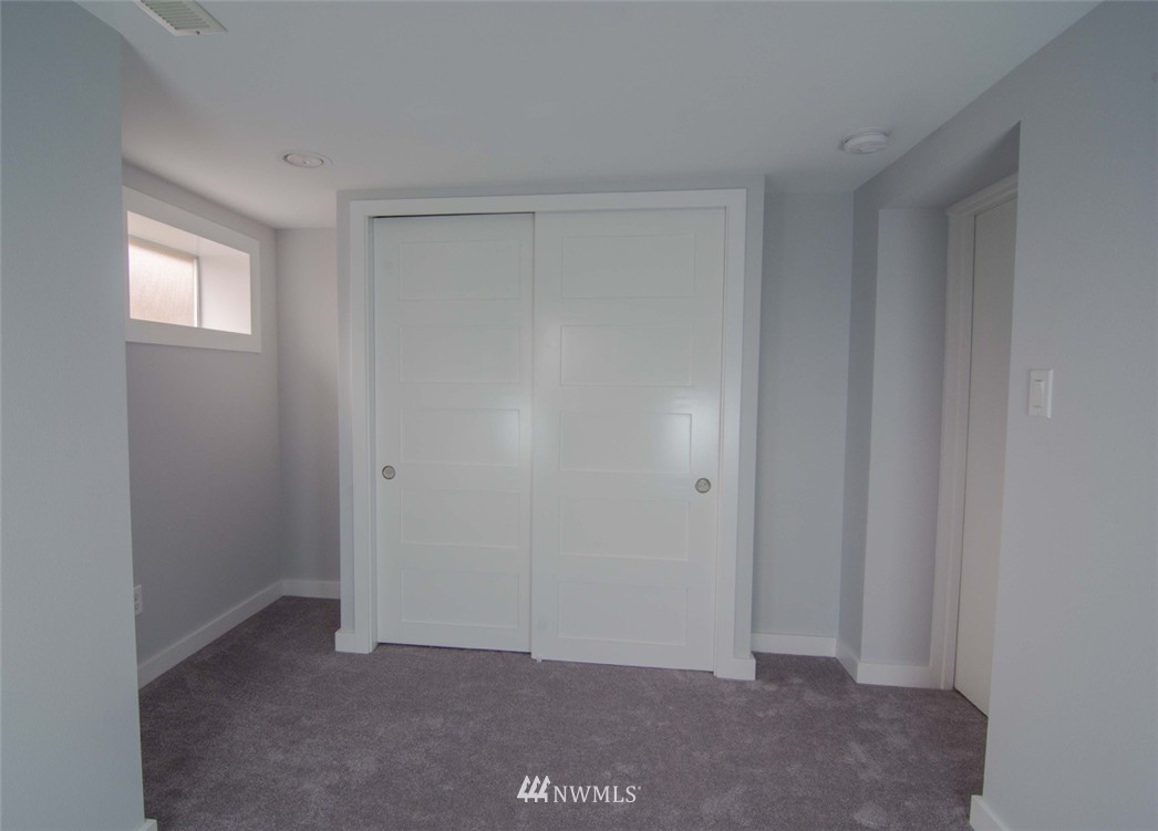 Sold Property | 7303 7th Avenue SW Seattle, WA 98106 19