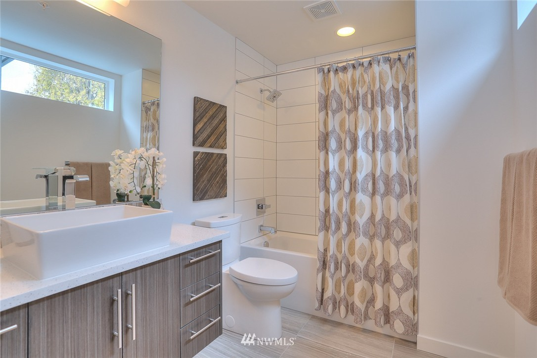 Sold Property | 5757 NE 63rd Street Seattle, WA 98115 14