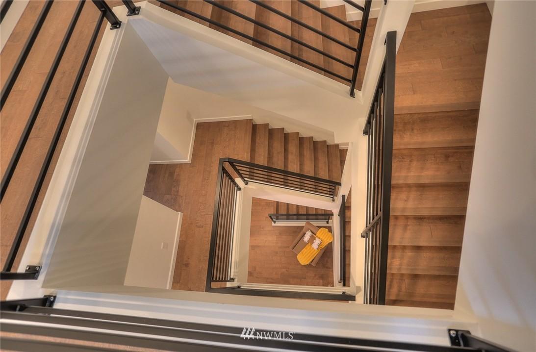 Sold Property | 5757 NE 63rd Street Seattle, WA 98115 9