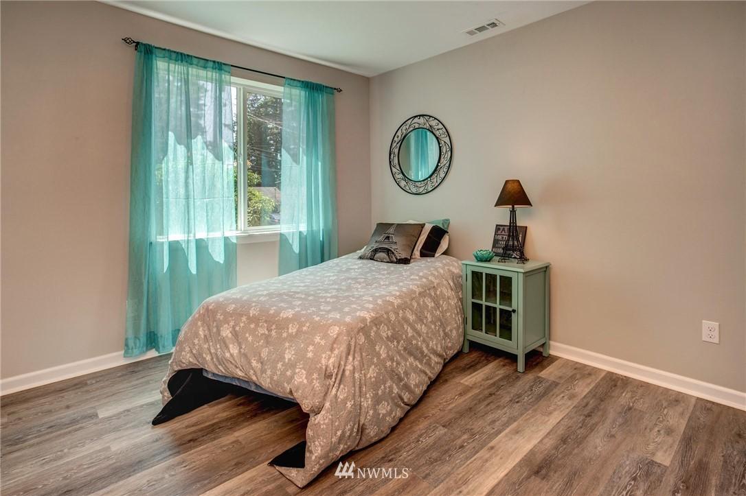 Sold Property | 1244 NE 168th Street Shoreline, WA 98155 8