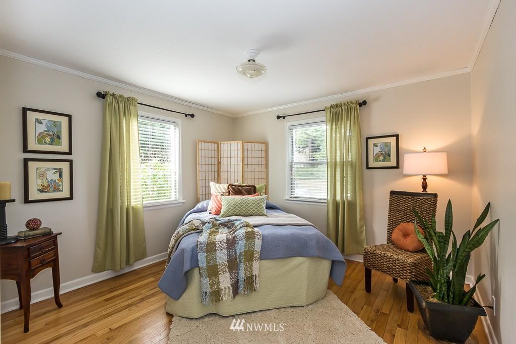 Sold Property | 9416 42nd Avenue NE Seattle, WA 98115 7