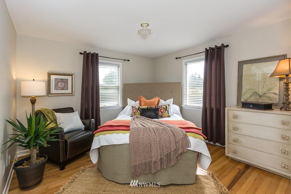 Sold Property | 9416 42nd Avenue NE Seattle, WA 98115 8