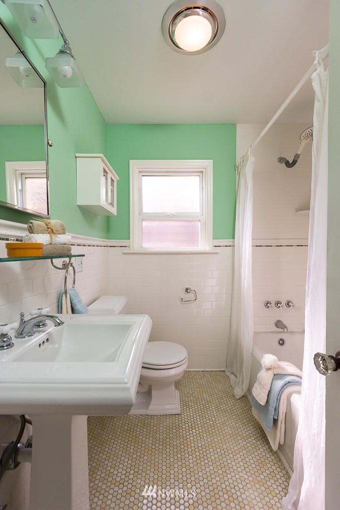 Sold Property | 9416 42nd Avenue NE Seattle, WA 98115 9