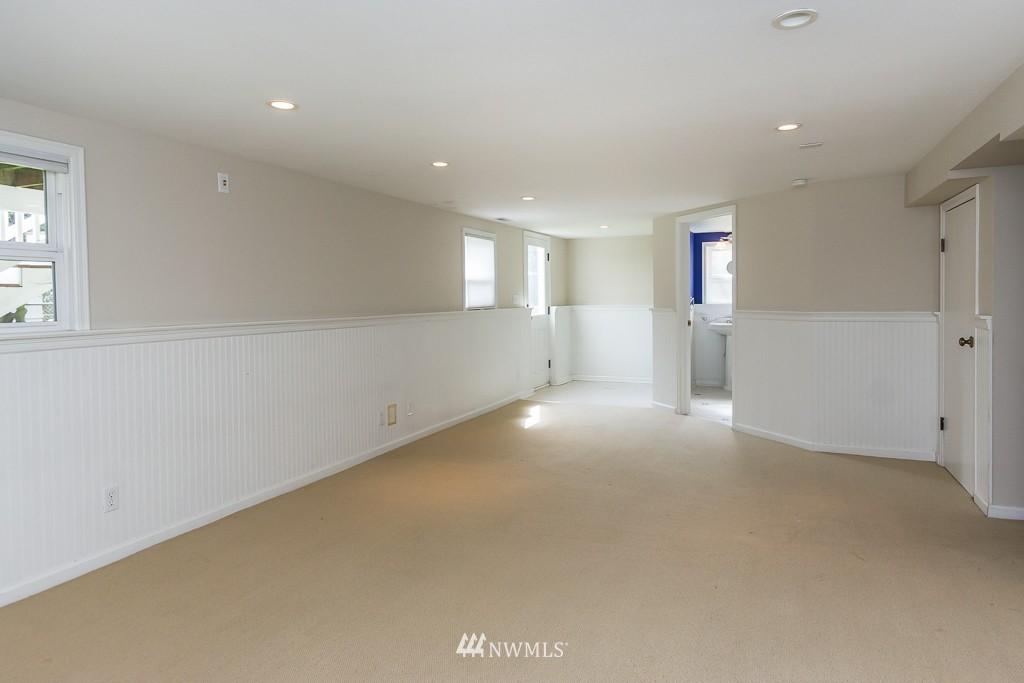 Sold Property | 9416 42nd Avenue NE Seattle, WA 98115 12