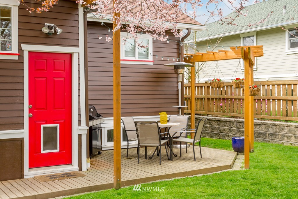 Sold Property   7752 14th Avenue NW Seattle, WA 98117 16