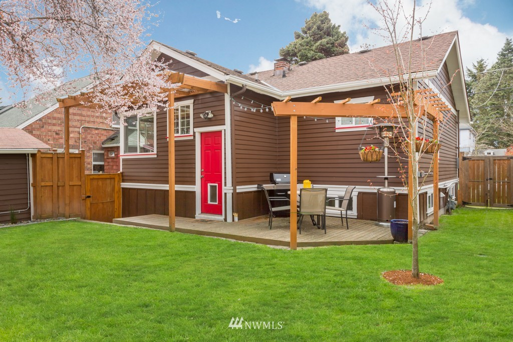 Sold Property   7752 14th Avenue NW Seattle, WA 98117 17