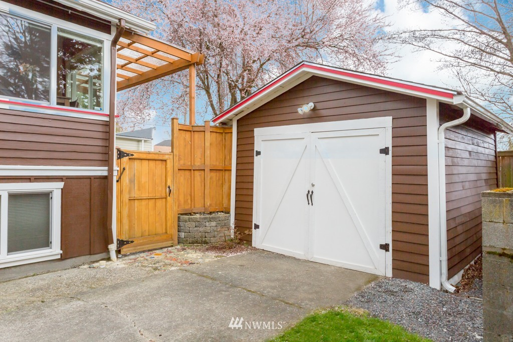 Sold Property   7752 14th Avenue NW Seattle, WA 98117 19