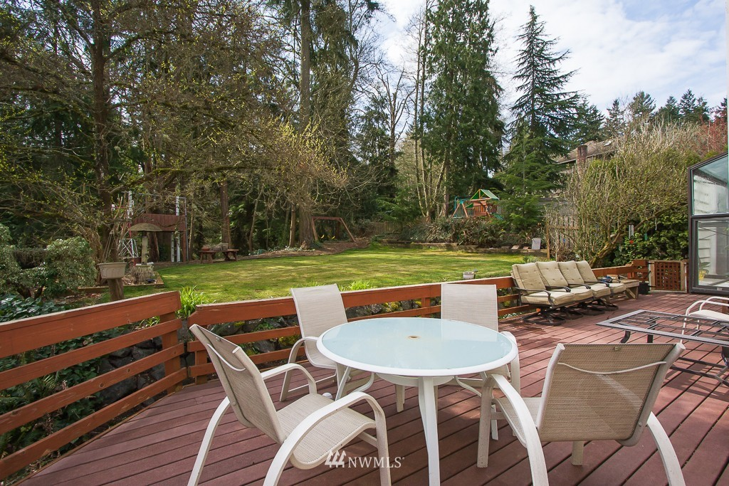 Sold Property | 2607 NE 184th Place Lake Forest Park, WA 98155 14