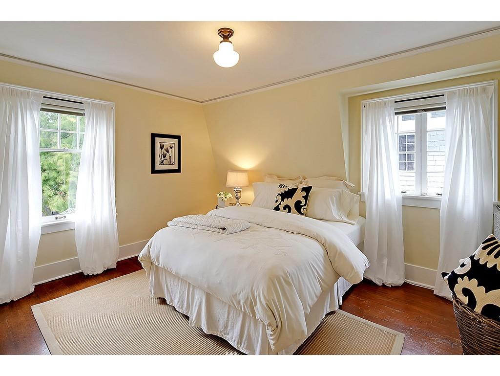 Sold Property | 4608 Eastern Avenue N Seattle, WA 98103 6