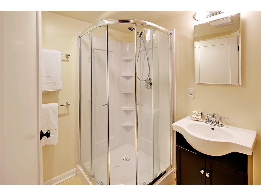 Sold Property | 4608 Eastern Avenue N Seattle, WA 98103 12