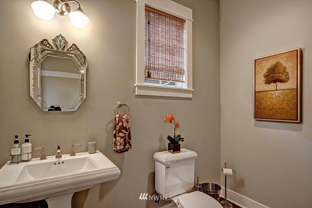 Sold Property | 5726 Kirkwood Place N Seattle, WA 98103 9