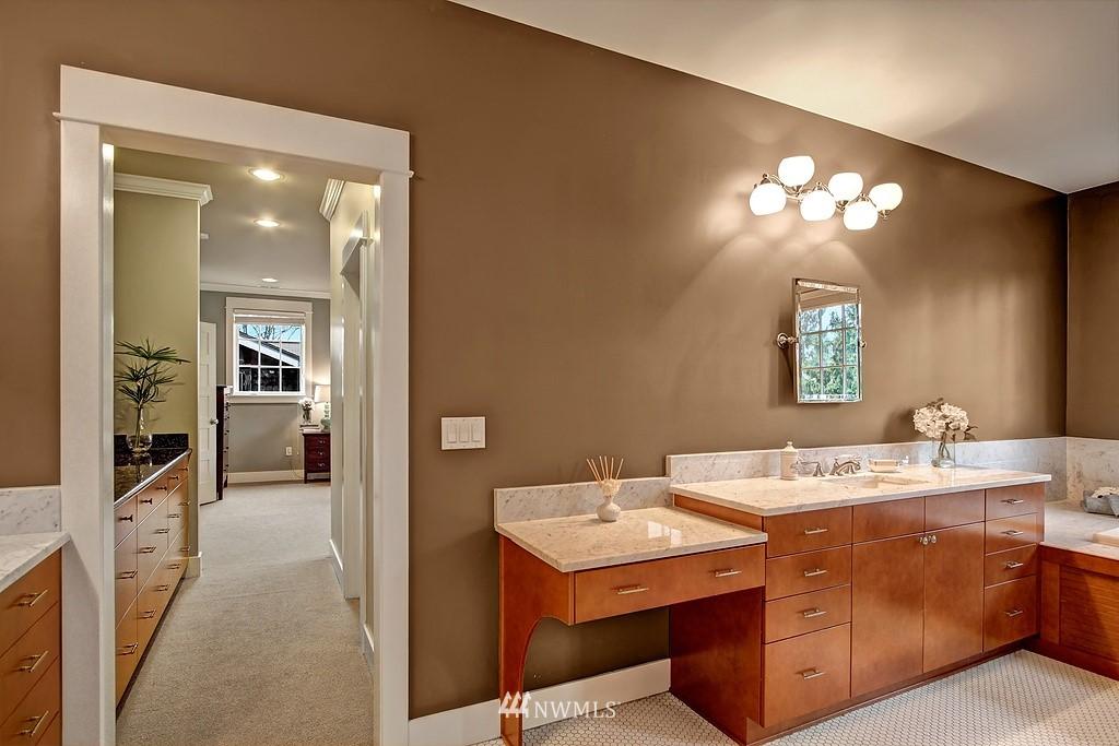 Sold Property | 5726 Kirkwood Place N Seattle, WA 98103 12