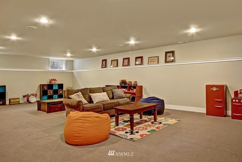Sold Property | 5726 Kirkwood Place N Seattle, WA 98103 17