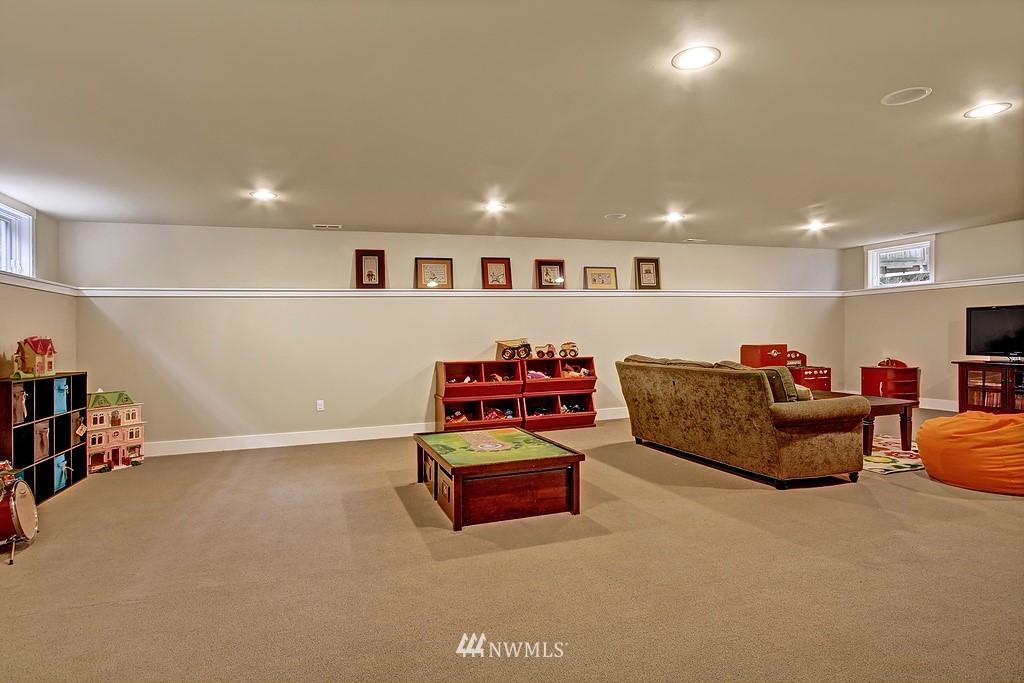 Sold Property | 5726 Kirkwood Place N Seattle, WA 98103 18