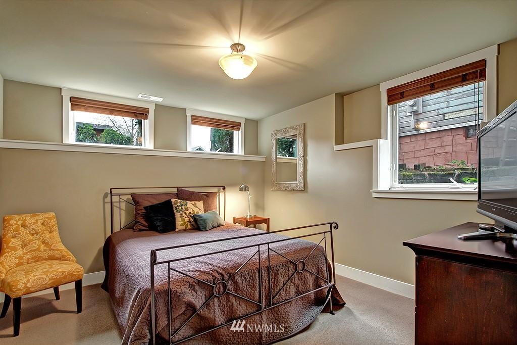 Sold Property | 5726 Kirkwood Place N Seattle, WA 98103 19