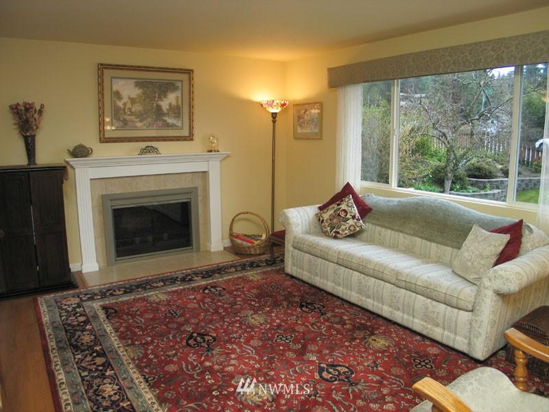 Sold Property | 1703 N 160th Street Shoreline, WA 98133 2