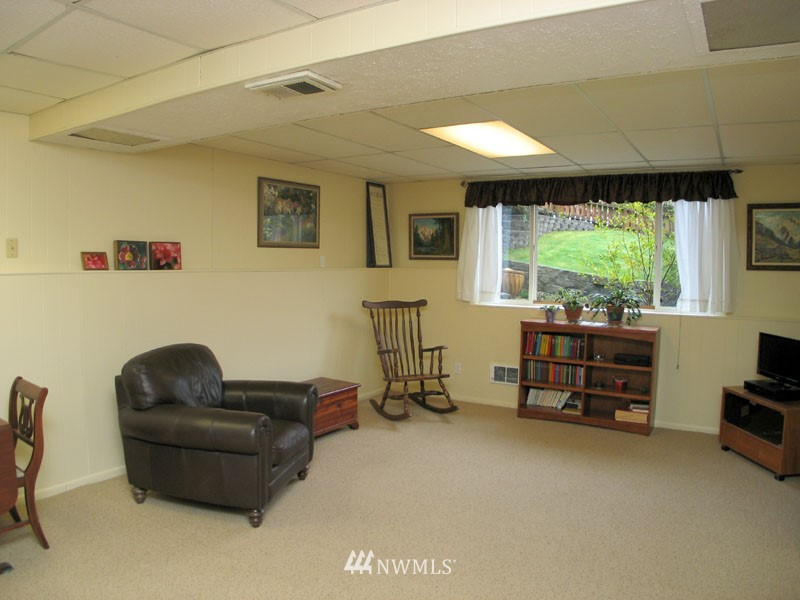 Sold Property | 1703 N 160th Street Shoreline, WA 98133 9