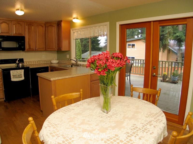 Sold Property | 1703 N 160th Street Shoreline, WA 98133 1