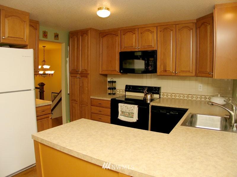 Sold Property | 1703 N 160th Street Shoreline, WA 98133 3