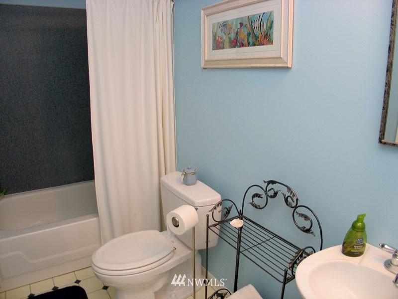 Sold Property | 1703 N 160th Street Shoreline, WA 98133 11