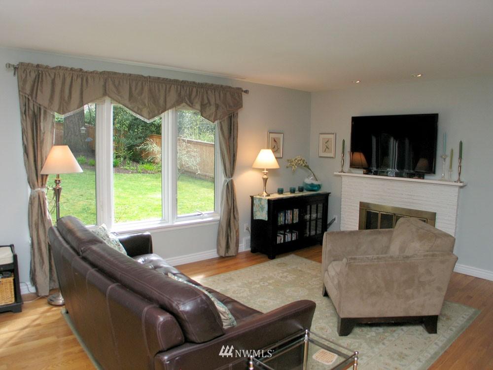Sold Property | 13563 23rd Avenue NE Seattle, WA 98125 5