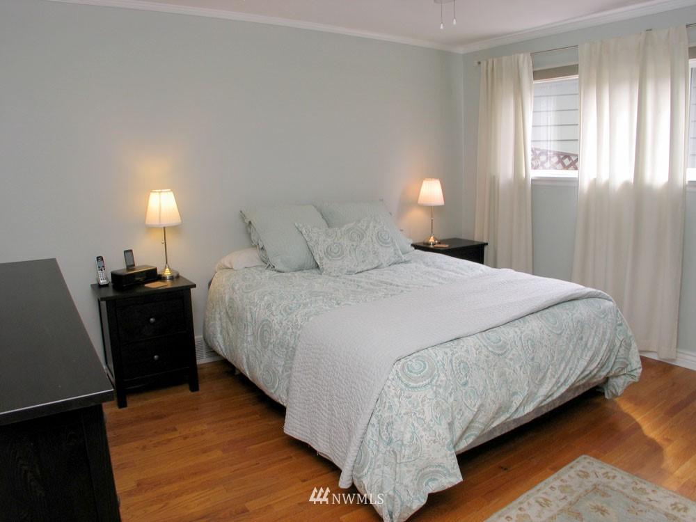Sold Property | 13563 23rd Avenue NE Seattle, WA 98125 6