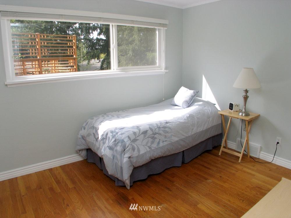 Sold Property | 13563 23rd Avenue NE Seattle, WA 98125 7