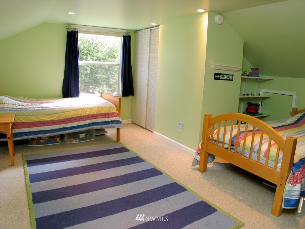 Sold Property | 13563 23rd Avenue NE Seattle, WA 98125 9