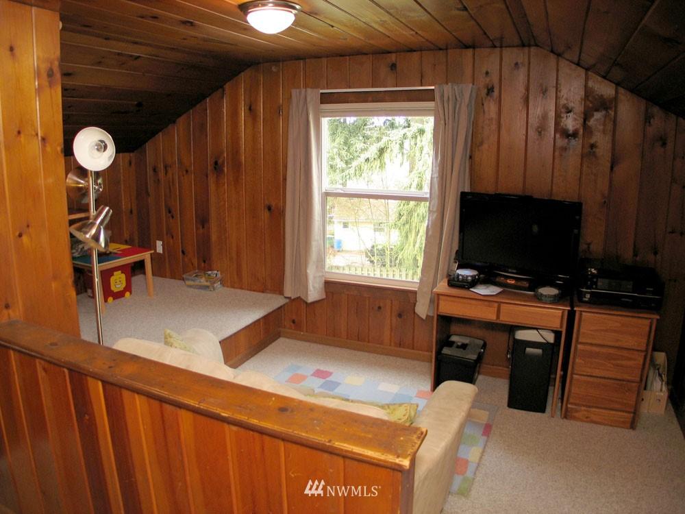 Sold Property | 13563 23rd Avenue NE Seattle, WA 98125 10
