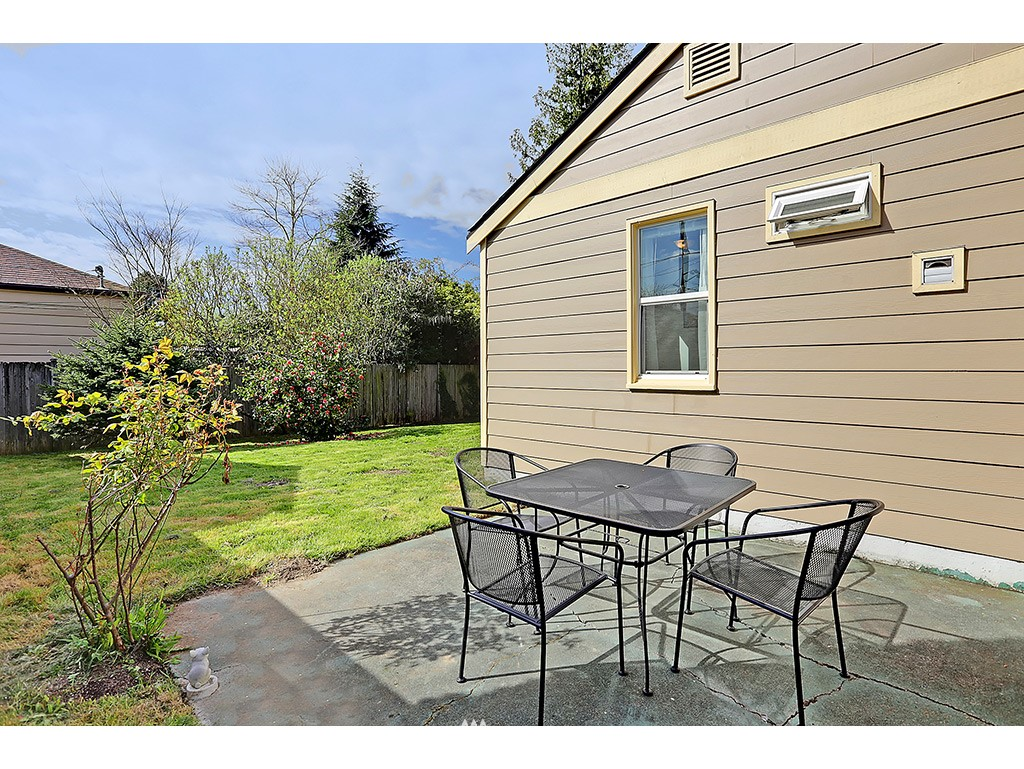 Sold Property   1475 NW 77th Street Seattle, WA 98117 11