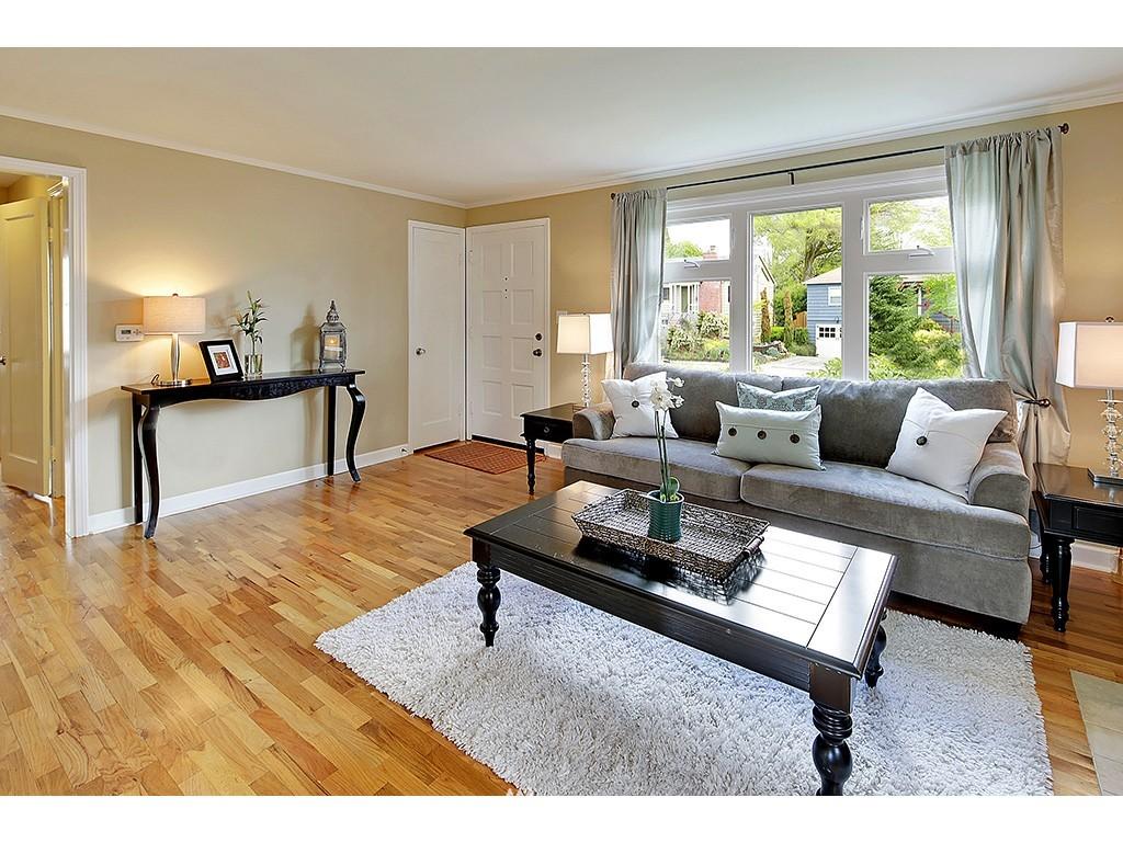 Sold Property | 12033 Dayton Avenue N Seattle, WA 98133 2