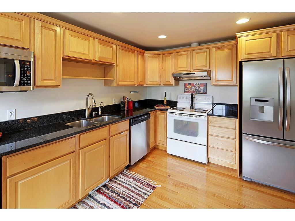 Sold Property | 12033 Dayton Avenue N Seattle, WA 98133 6