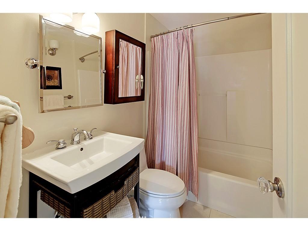 Sold Property | 12033 Dayton Avenue N Seattle, WA 98133 8