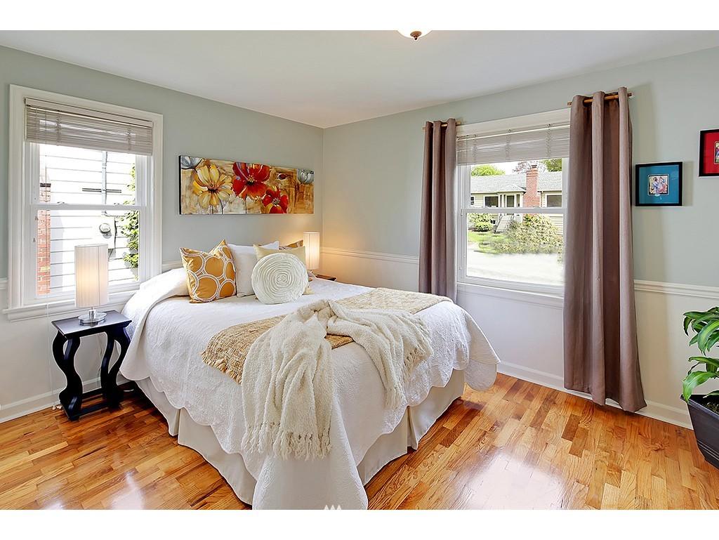Sold Property | 12033 Dayton Avenue N Seattle, WA 98133 10