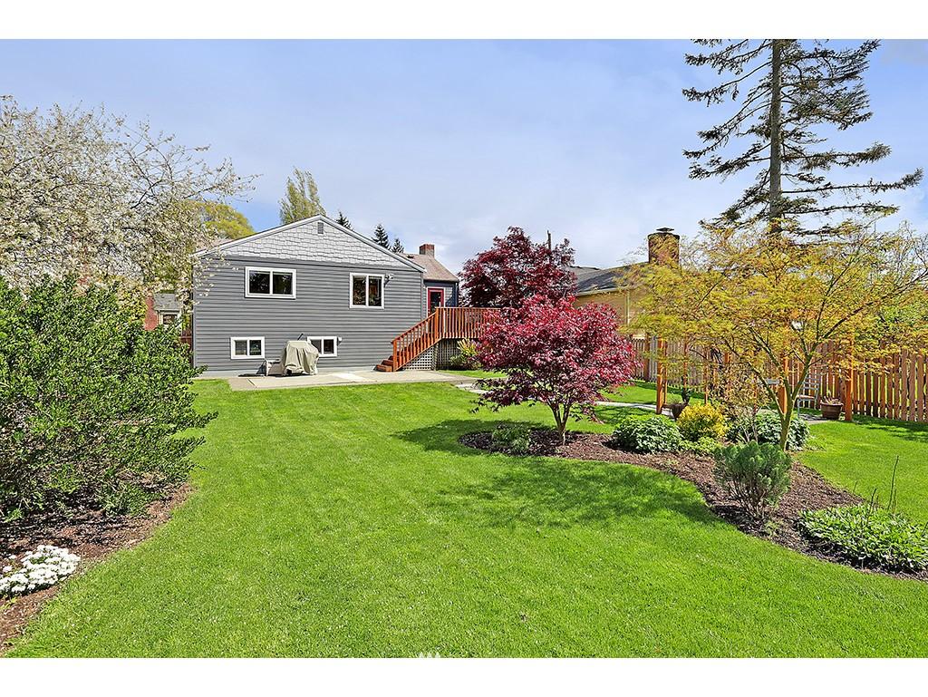 Sold Property | 12033 Dayton Avenue N Seattle, WA 98133 14