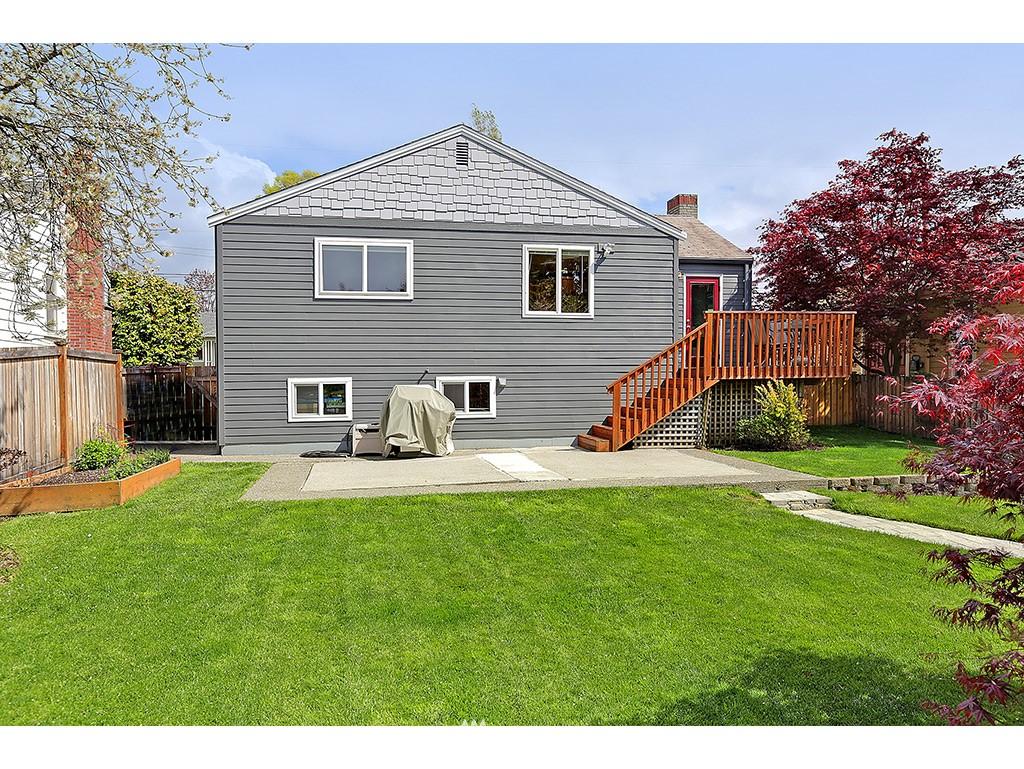 Sold Property | 12033 Dayton Avenue N Seattle, WA 98133 16