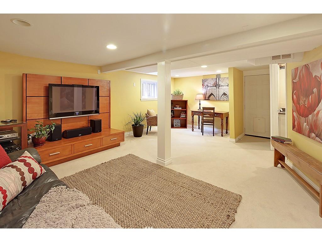 Sold Property | 12033 Dayton Avenue N Seattle, WA 98133 17