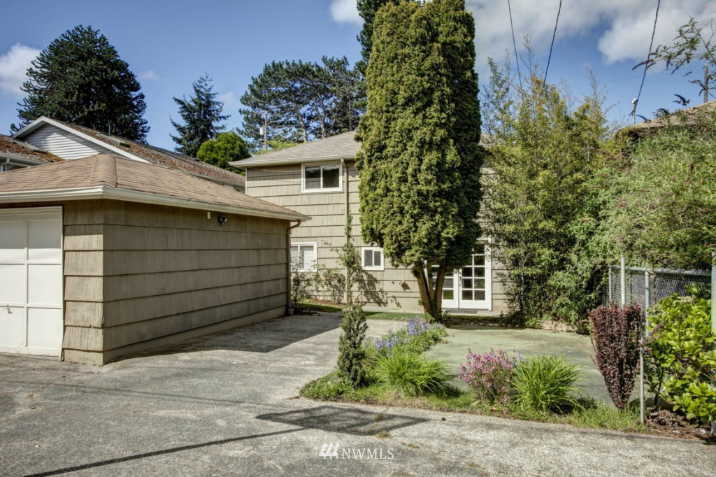 Sold Property | 8520 19th Avenue NW Seattle, WA 98117 15
