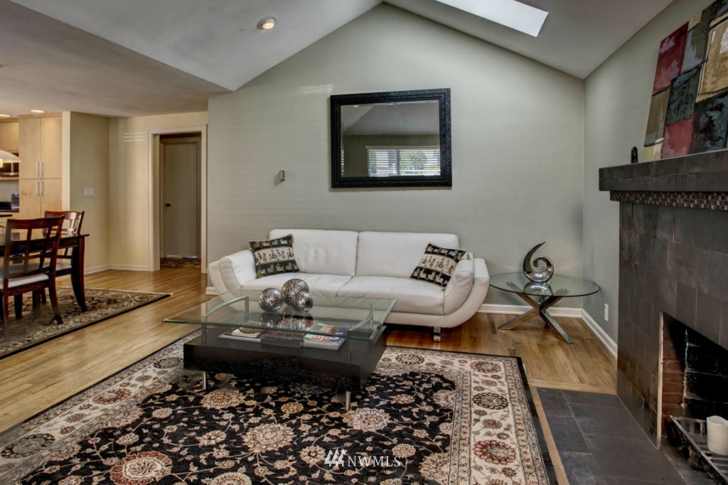 Sold Property | 8520 19th Avenue NW Seattle, WA 98117 6