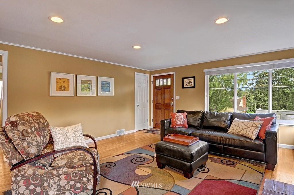Sold Property | 5547 38th Avenue NE Seattle, WA 98105 1