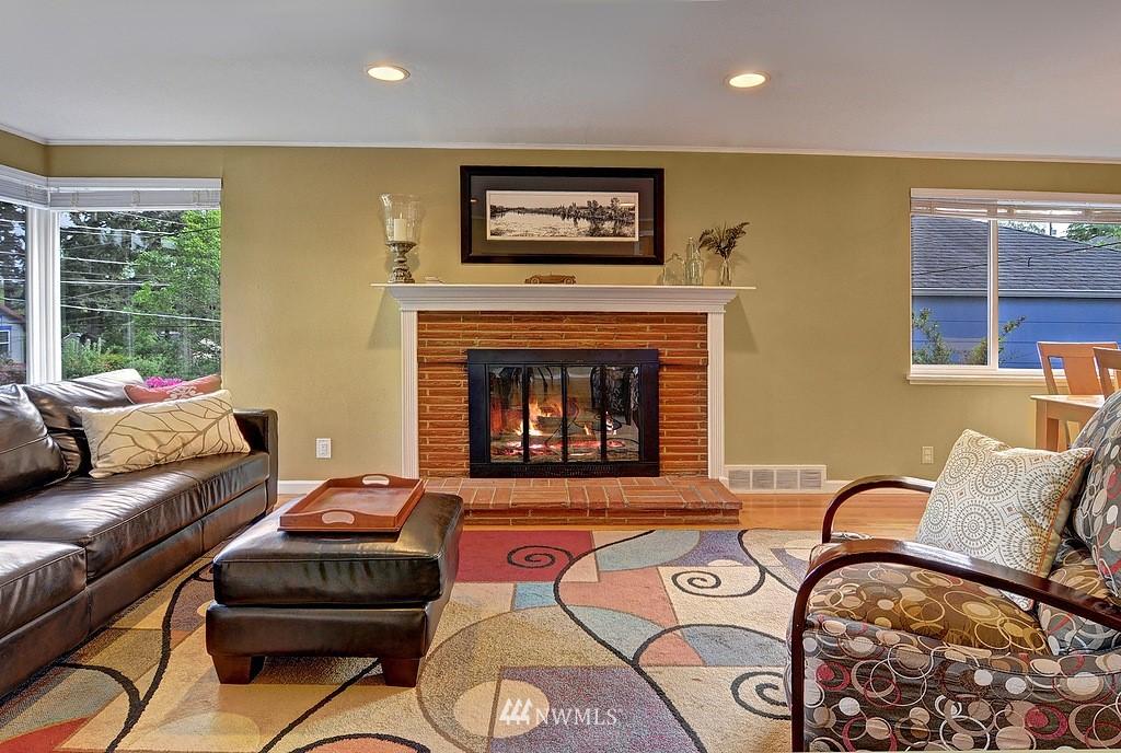 Sold Property | 5547 38th Avenue NE Seattle, WA 98105 2