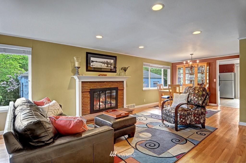 Sold Property | 5547 38th Avenue NE Seattle, WA 98105 3