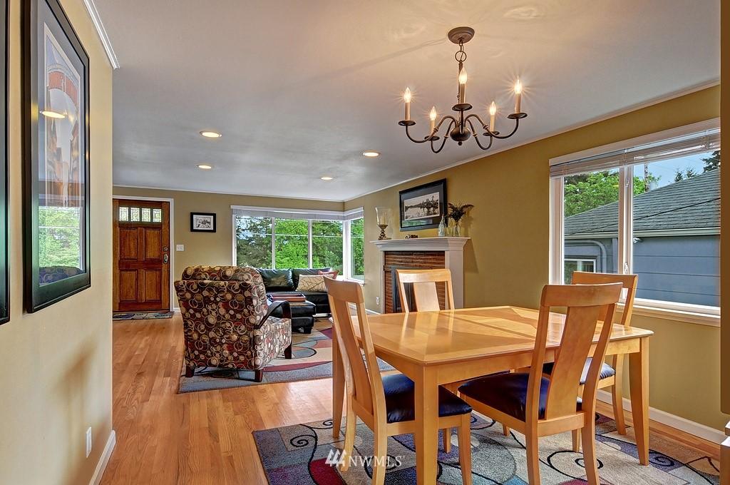 Sold Property | 5547 38th Avenue NE Seattle, WA 98105 4