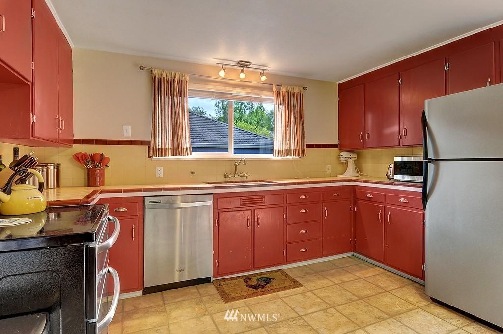Sold Property | 5547 38th Avenue NE Seattle, WA 98105 6