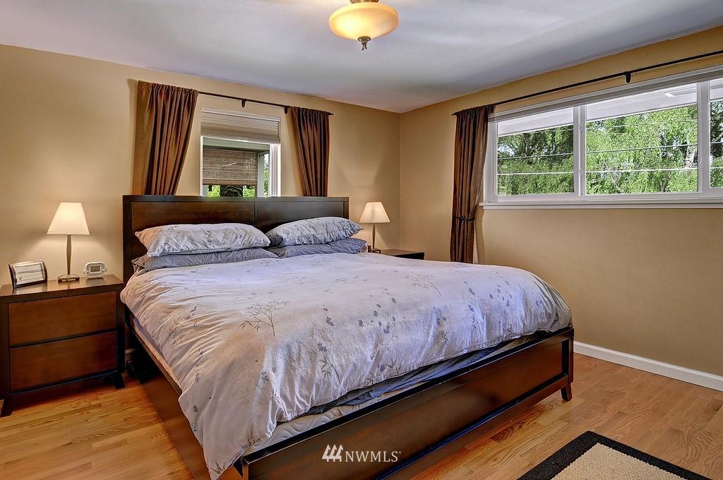 Sold Property | 5547 38th Avenue NE Seattle, WA 98105 8