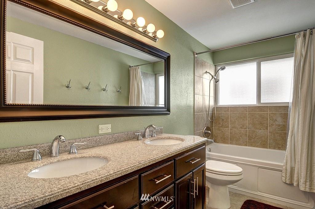 Sold Property | 5547 38th Avenue NE Seattle, WA 98105 9