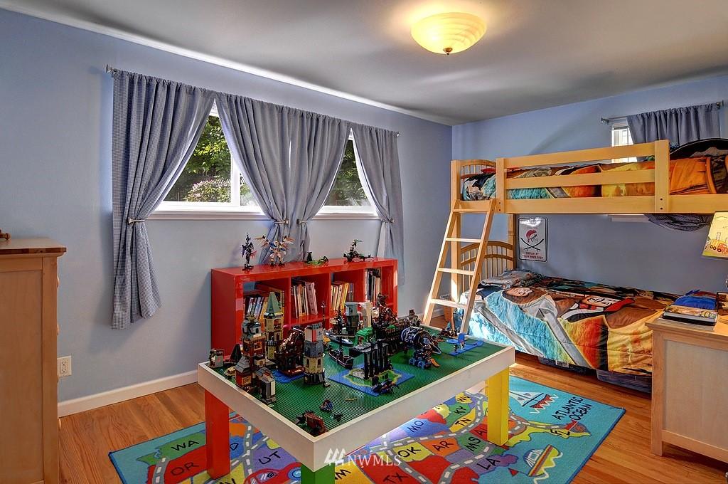 Sold Property | 5547 38th Avenue NE Seattle, WA 98105 11